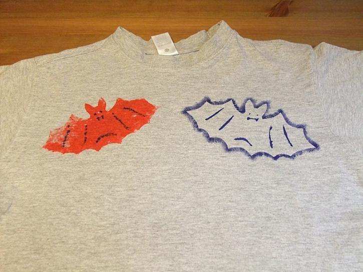 Tričko s netopýry – malování na textil