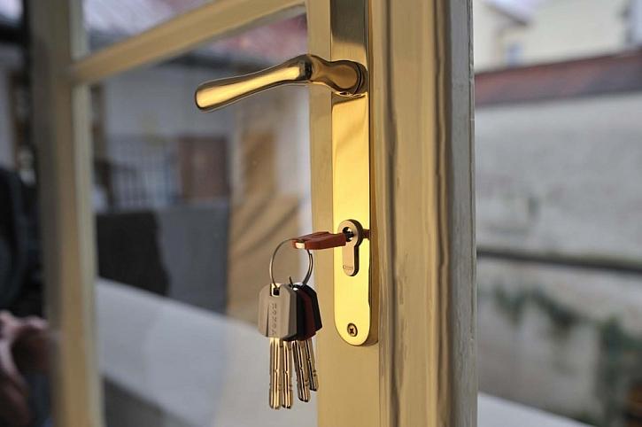 Zabezpečte svůj byt před odjezdem na dovolenou