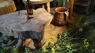 Vychytaný stoleček