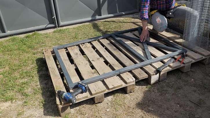 Jak jednoduše vyrobit vrátka pro chovatele