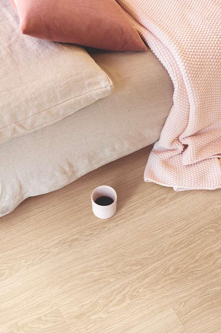 Vinylová podlaha s hrnečkem