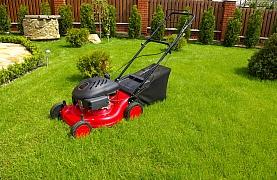 Přinášíme tipy na benzínové sekačky na trávu