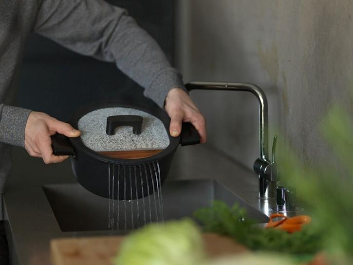 Nádobí do kuchyně i do přírody