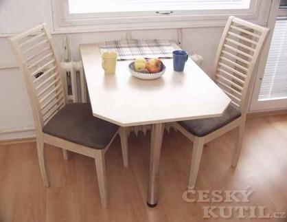 Stůl na jedné noze a další tip do garsonky