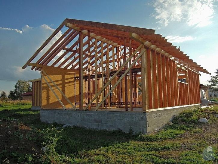 Dřevostavby mají řadu výhod, včetně rychlosti stavby