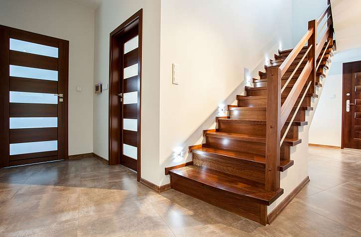Dveře a schody
