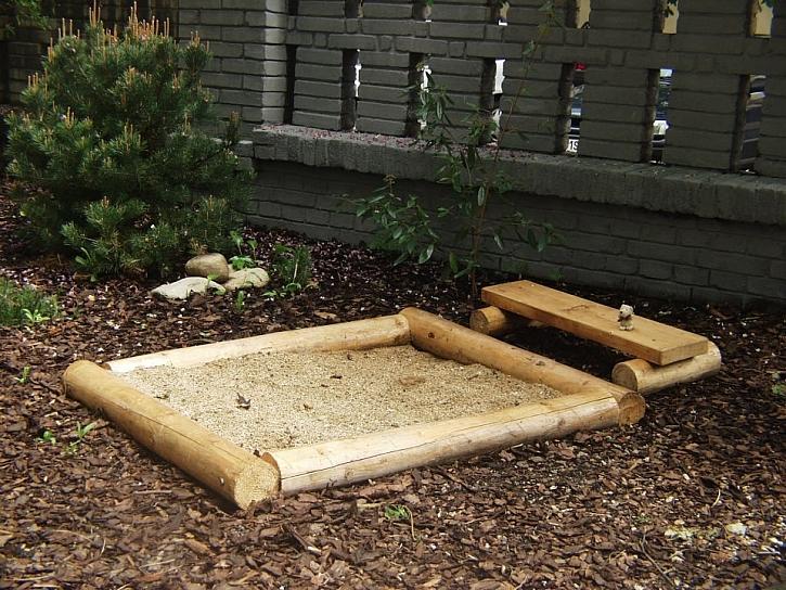 Chalupa i zahrada pro děti