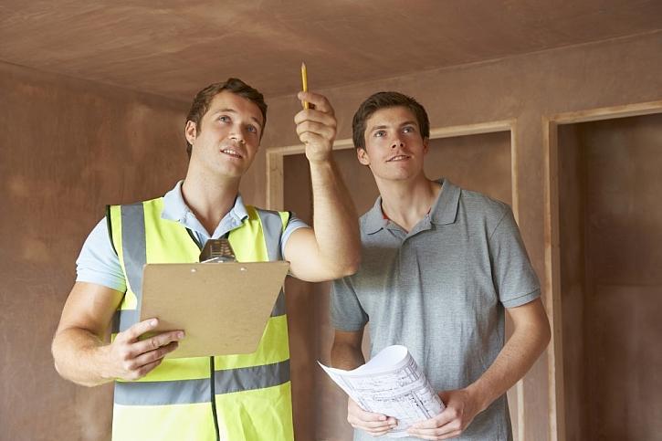 """Spolu s inspektorem projdete důkladně celou nemovitost a budete dobře vědět, kde všude něco """"skřípe"""""""
