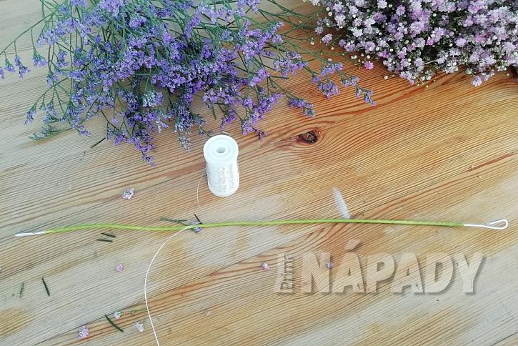 Květinový věneček do vlasů: vytvořte základ věnce