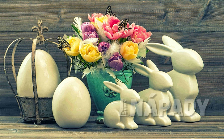 Tulipány s motýly, zajíčky a vejci