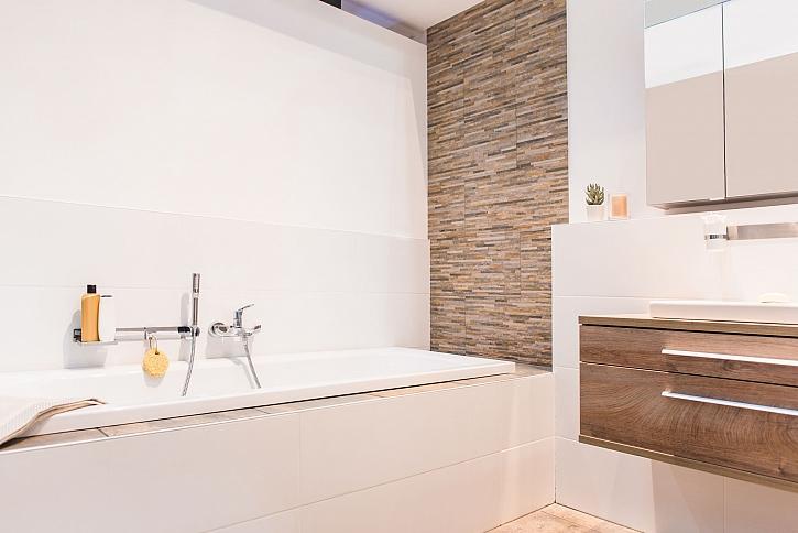 Koupelna v hnědém