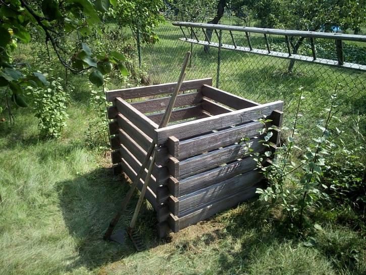 Nezničitelný betonový kompostér