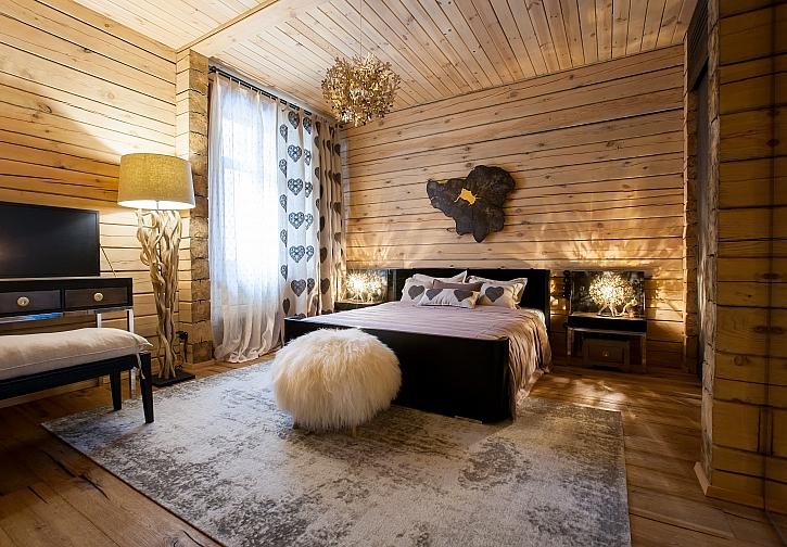 Přírodní dřevo do interiéru i exteriéru