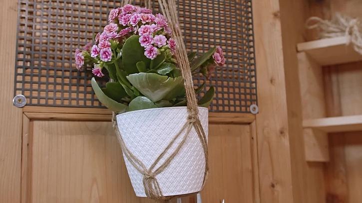 Závěs na květináč technikou drhání