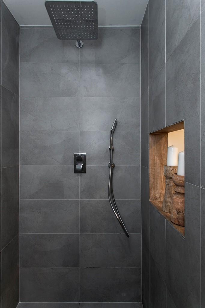 V koupelně přibyl samostatný sprchový kout
