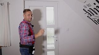 Seřízení dveří aneb jak vyřešit, když plastové dveře nedovírají