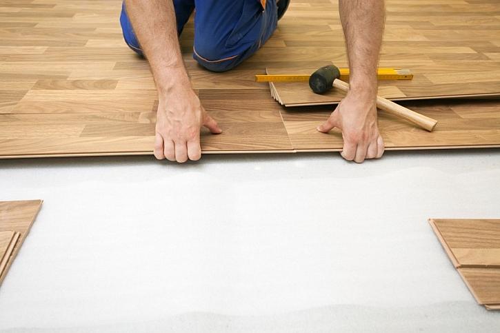 Výhodou plovoucí podlahy je snadná montáž