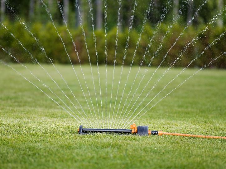 Fiskars_Watering_Action_Water_saving_sprinkler_1023661_1023662 (2)