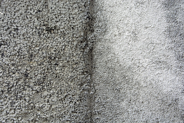 Lehký beton Liapor Mix a Liapor Mix Final – patrná je různá hrubost směsi