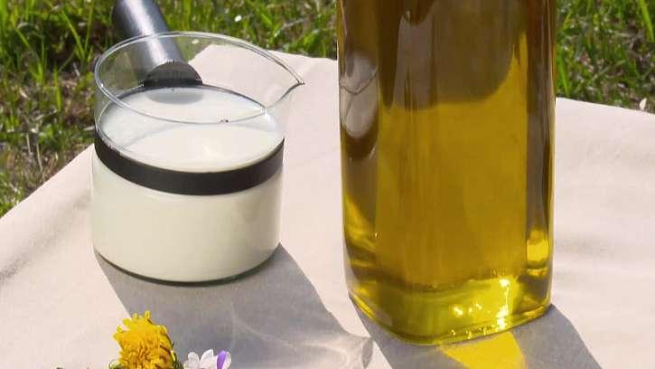 Smetana a jedlý olej
