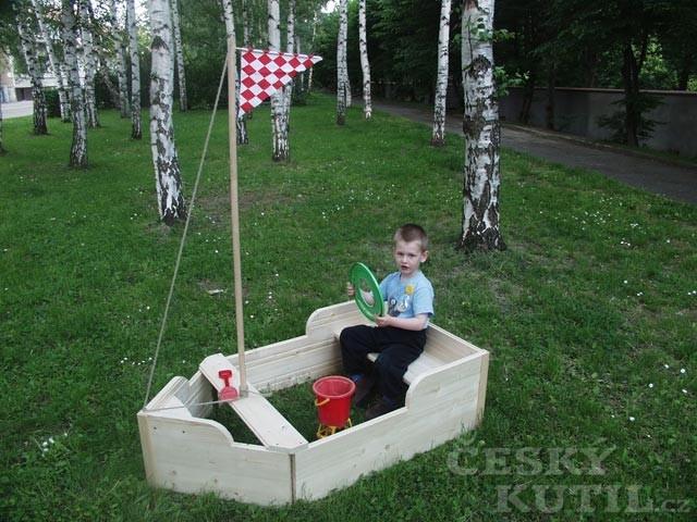 Pískoviště - prostor pro hry dětí