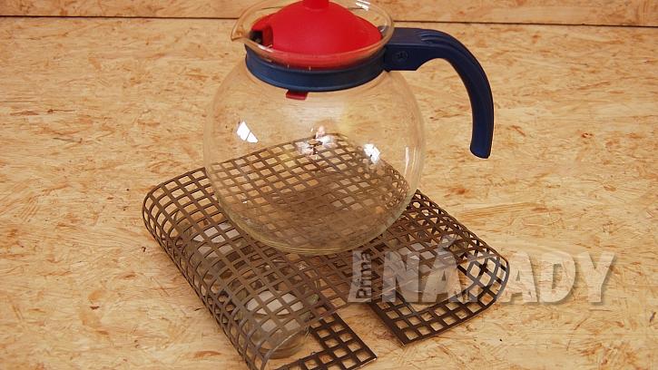 Stojánek na svíčky i ohříváček na čaj: ohříváček