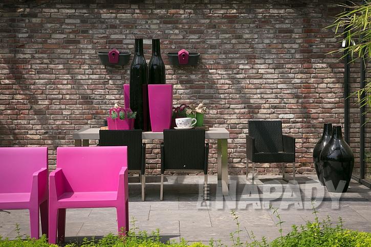 Zdi a stěny v zahradě (Zdroj: Daniela Dušková)