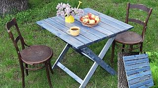Udělejte si skládací zahradní stůl vbarvě nebe aneb výzva nejen pro šikovné muže