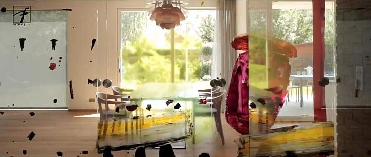 Vznikl obraz malovaný na skle, na který je možné pohlédnout z obou stran