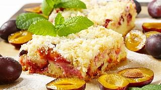 Recept na babiččin švestkový koláč se skořicovou drobenkou