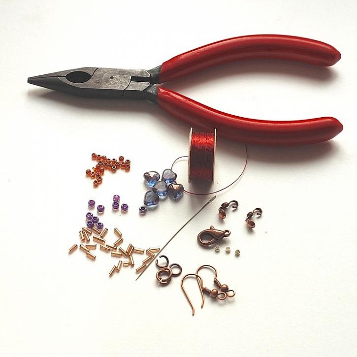 Materiál potřebný k výrobě šperku: