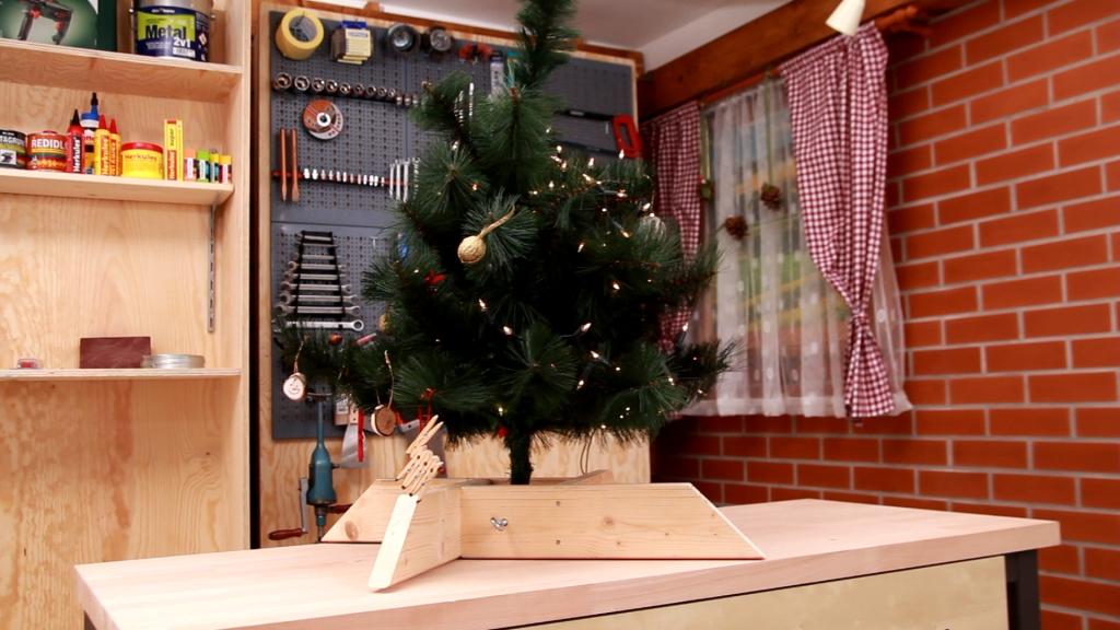 Vyrobte si stojánek na vánoční stromek