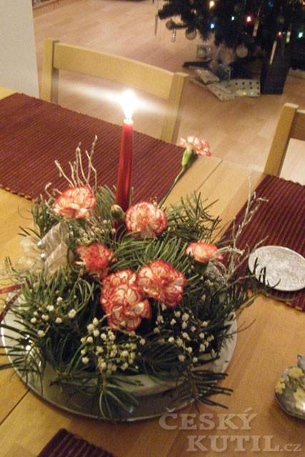 Výroba dekorativního svícnu z adventního věnce