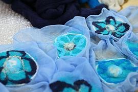 Nunofilcování: Výtvarná textilní technika, zvaná také tkaninové plstění