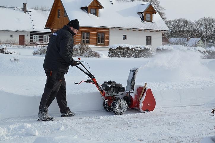 Příprava sněhové frézy na zimu