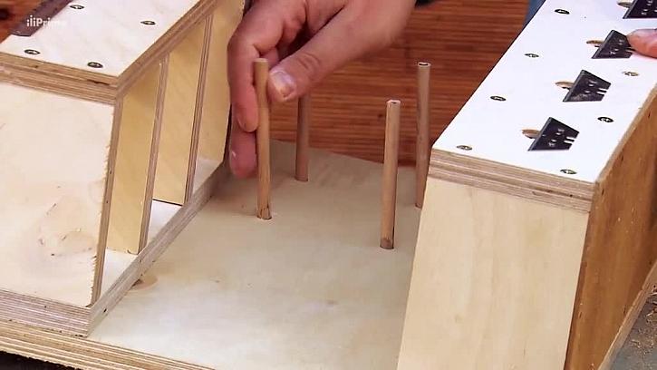 Jak vyrobit držák na pásky a lanka