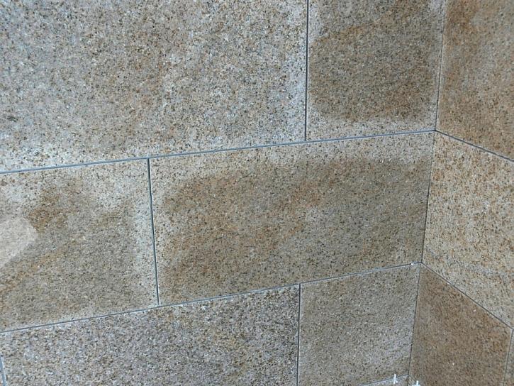 Lepení a spárování přírodního kamene a mramoru