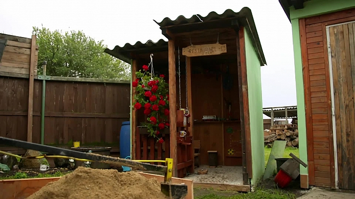 Dřevěná kabinka