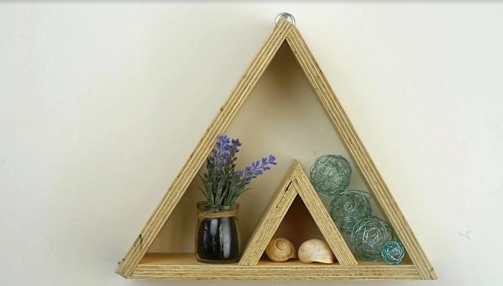 Horský štít: Ozdobná polička na dekorační drobnosti