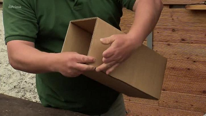 Hranol z kartonu pro věž