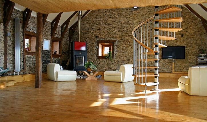 Povrchová úprava dřeva v interiéru