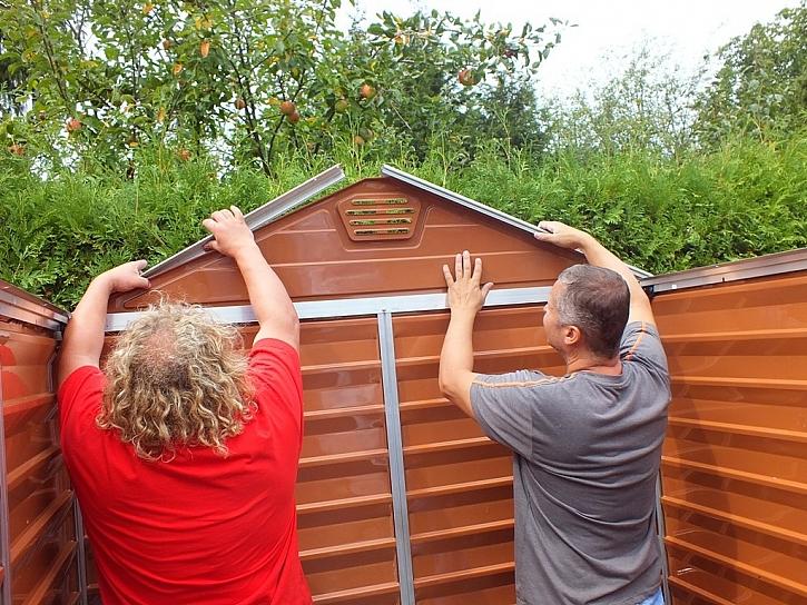 Zahradní domek poskládáme za odpoledne