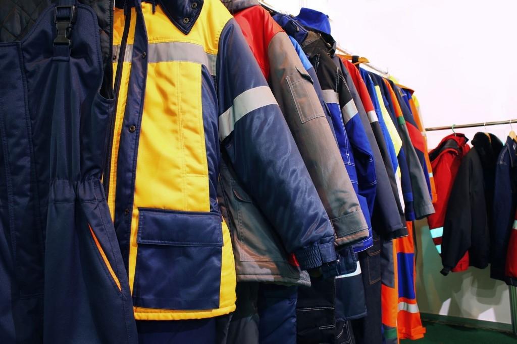 Zateplené pracovní oblečení do zimy