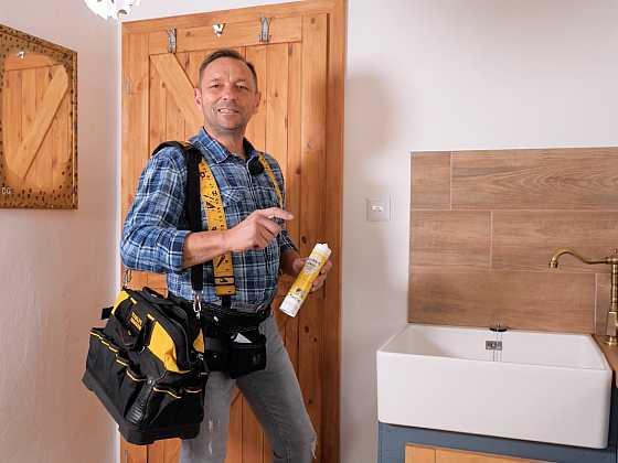 Plastová stěrka, malý velký pomocník při rekonstrukci koupelny (Zdroj: Prima DOMA)