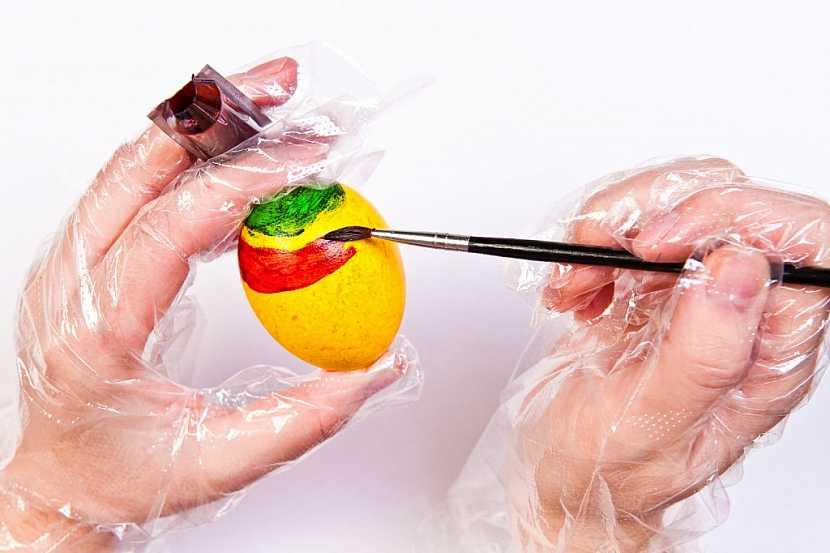 Jak zdobit velikonoční vajíčka tekutými barvami OVO