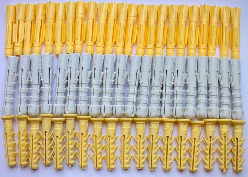 Hmoždinky do dutých materiálů jsou k dostání v několika variantách