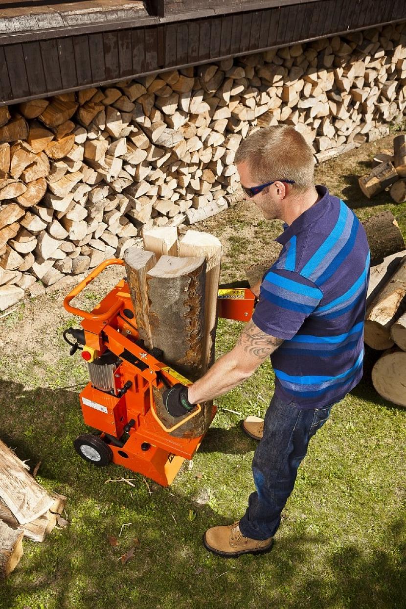 Štípačky dřeva: stroje pro usnadnění života