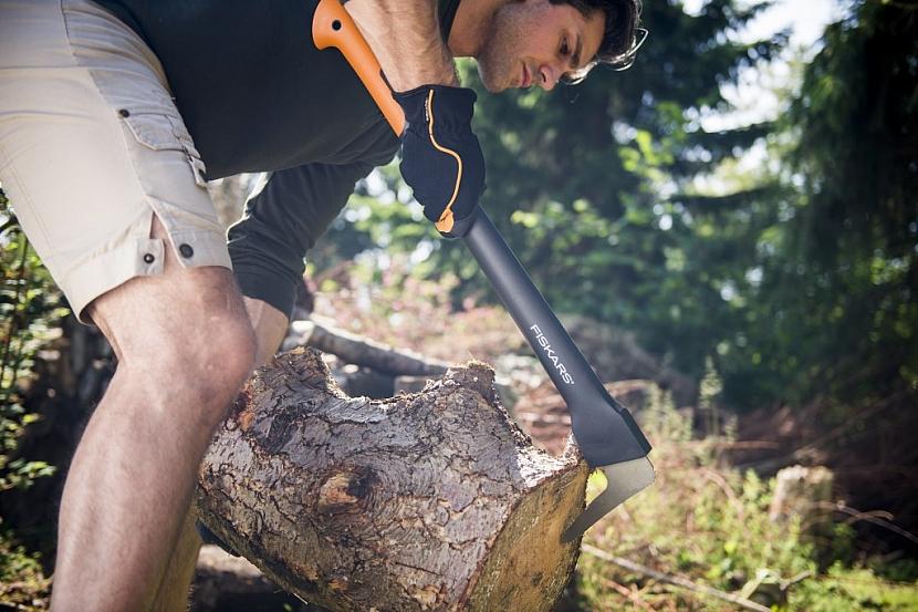 Příprava dřeva na zimu nikdy nebyla jednodušší