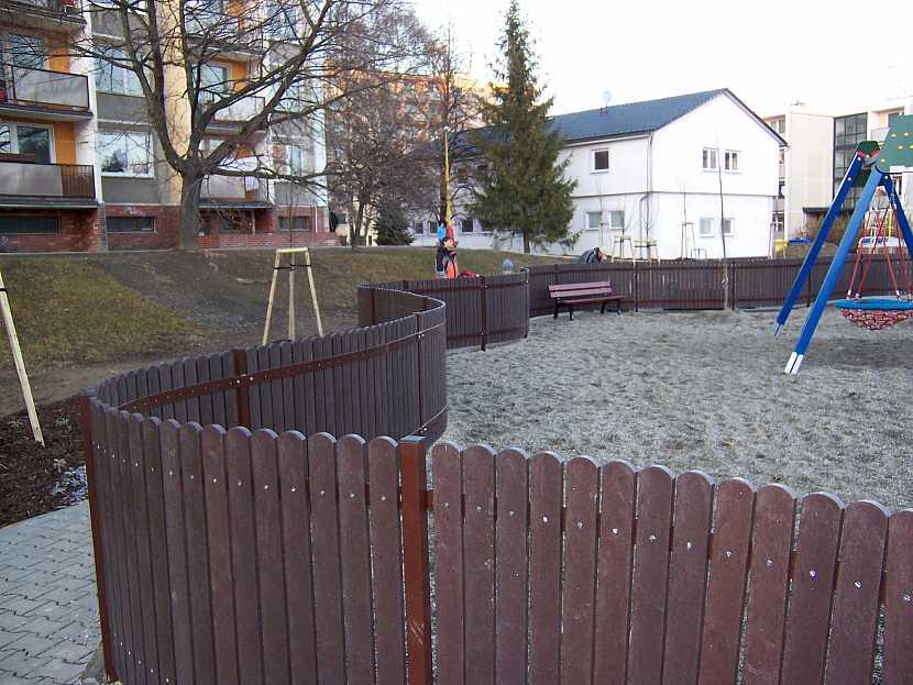 Oplocení, dětské hřiště