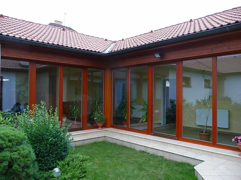 Dřevěná okna a posuvné dveře